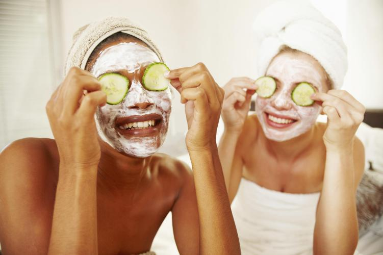 Natural homemade facial mask