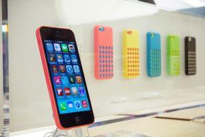 Apple's Latest iPhone Models Go On Sale Across U.S.