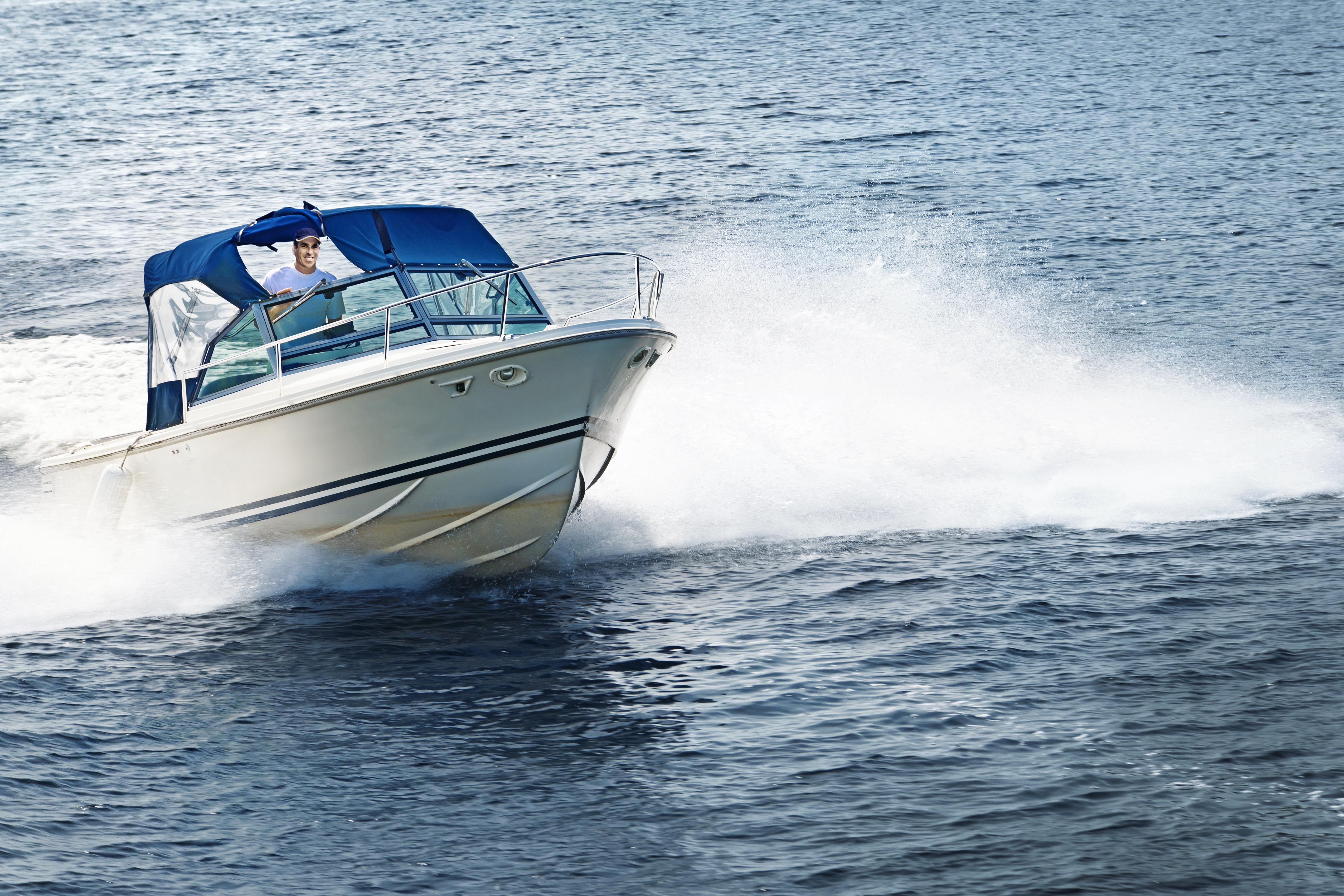 Canada, Ontario, Georgian Bay, Man in speed boat