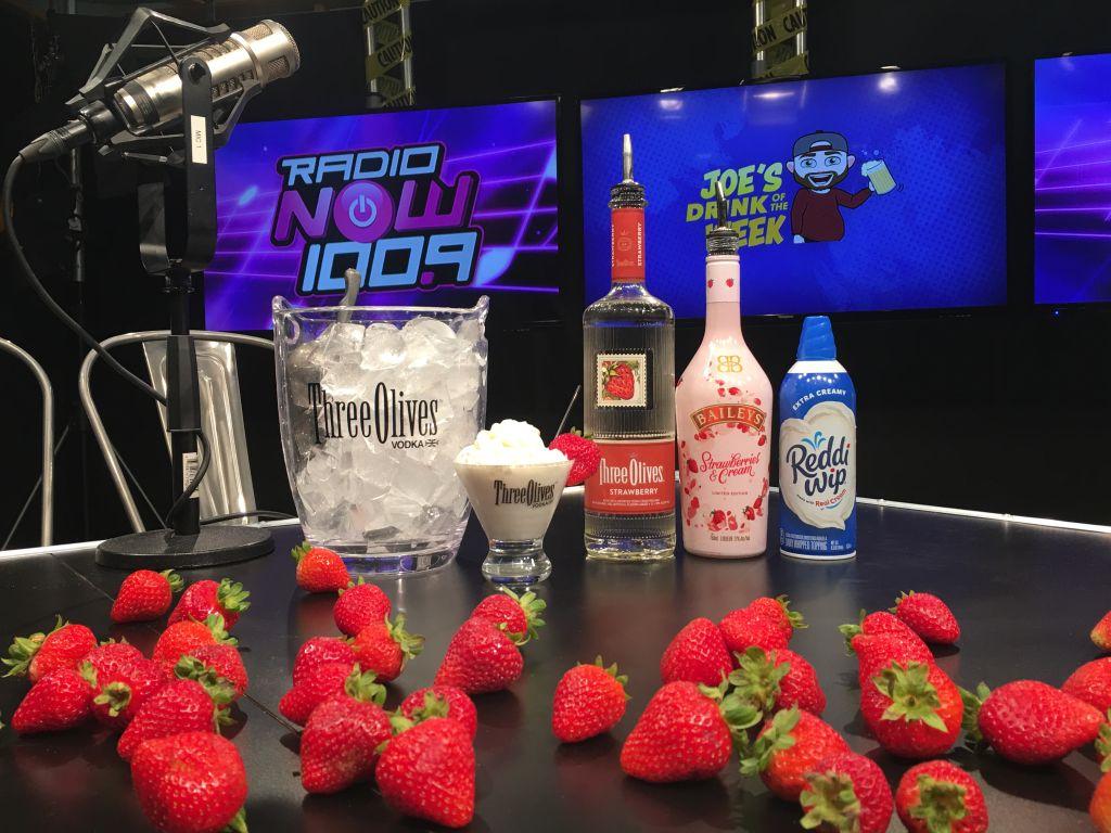 JDOTW - Strawberry Creme Pie Tini