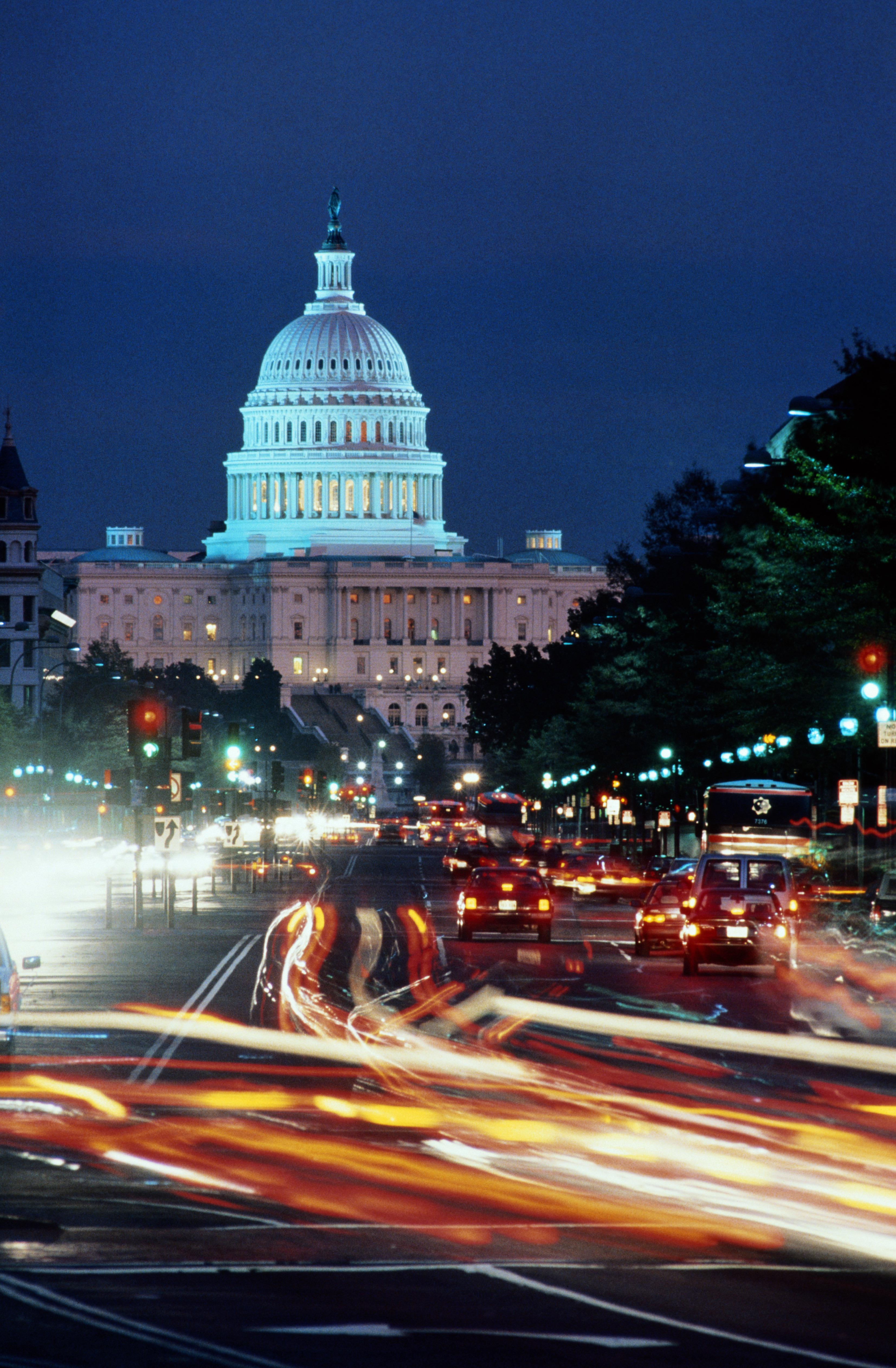 USA, Washington DC, The Capitol, Pennsylvania Avenue, long exposure